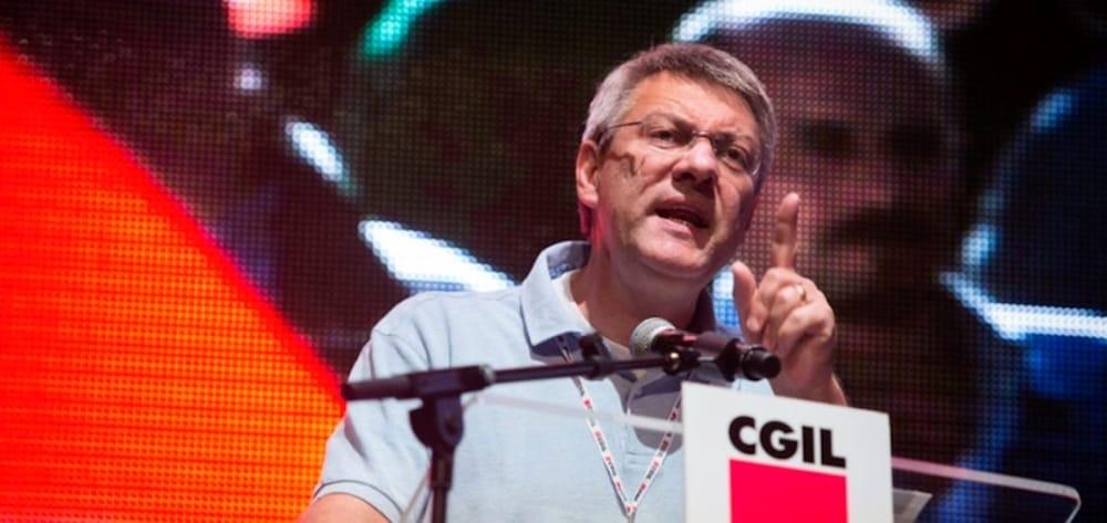 Landini: «Entro l'estate vaccinare i lavoratori, non licenziarli»