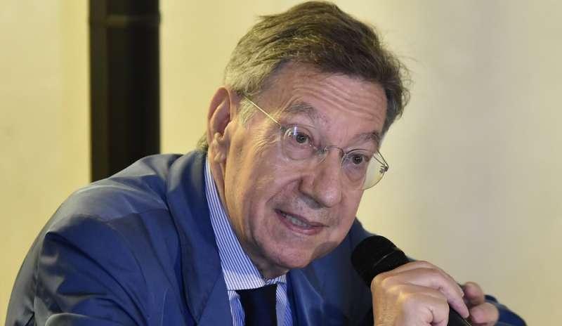 Cesare Mirabelli (ex presidente Corte costituzionale): «Green pass: le autorità dovranno trovare una soluzione tecnica e chiara»