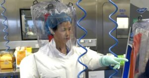 Shi Zhengli, virologa: «Il coronavirus non è nato a Wuhan, Trump si scusi»