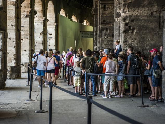 Confcommercio: mancano i turisti stranieri e, con loro, 14 miliardi di spesa