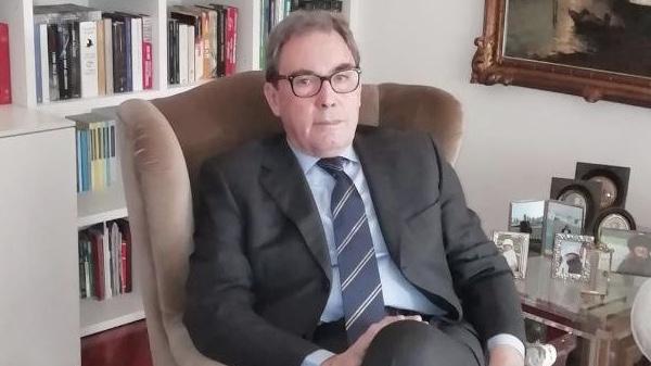 Massimo Clementi (virologo): «La malattia è cambiata, la carica virale è molto bassa»