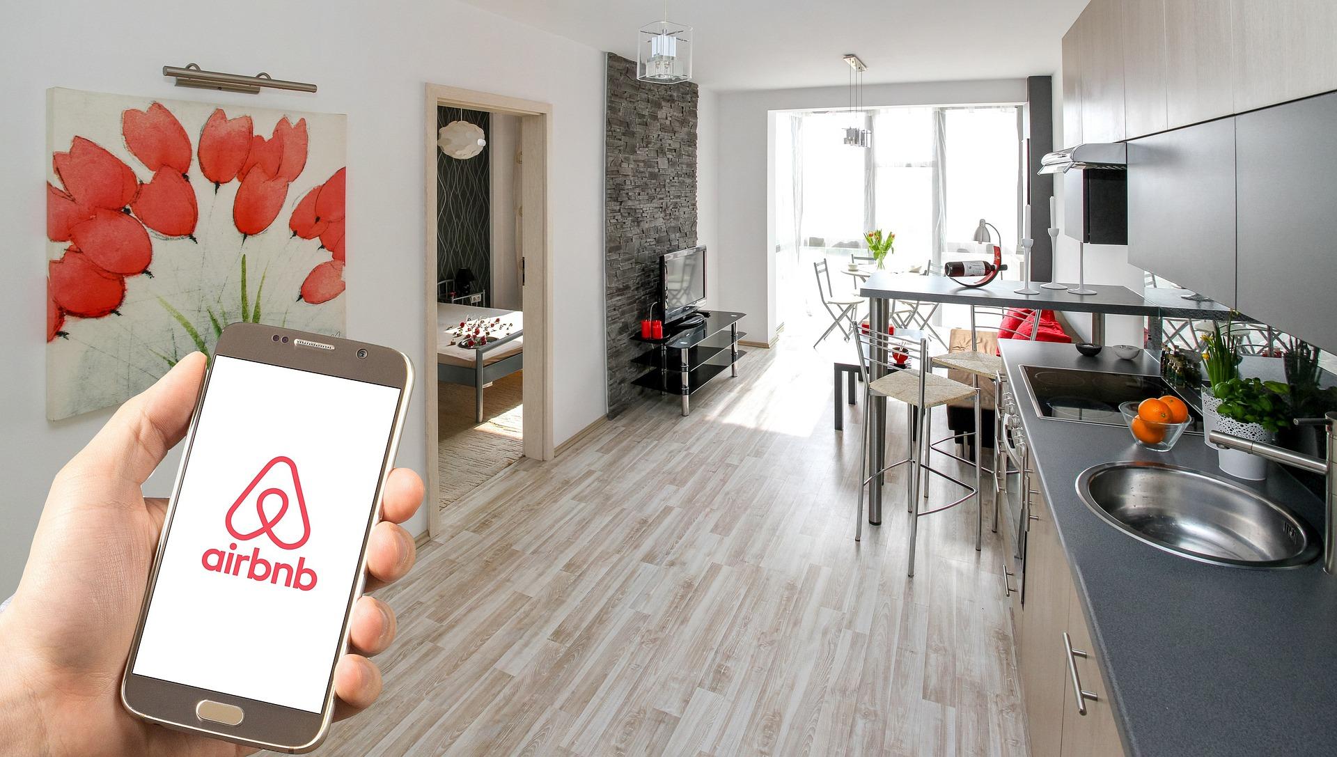 Per Airbnb ancora smart working fino alla fine di agosto 2021
