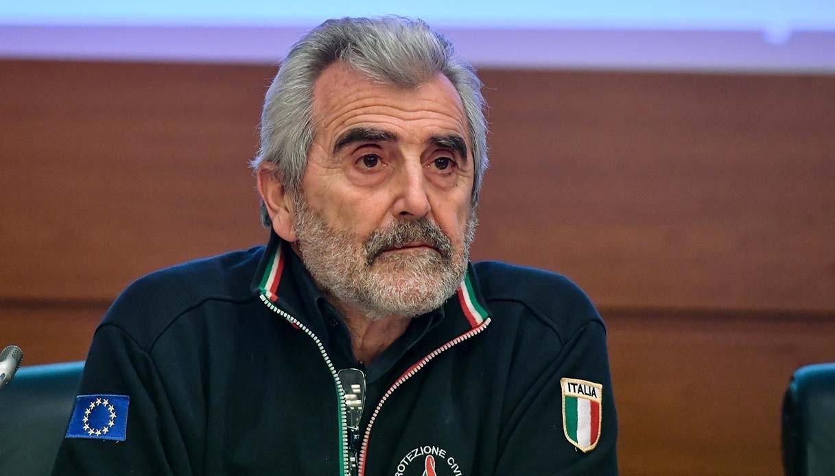 Agostino Miozzo (ex coordinatore Cts): «Sì al Green pass, ma continuando a seguire le norme sanitarie abituali»