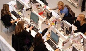Openpolis-Eurostat: donne occupate poco più della metà (53,8%)