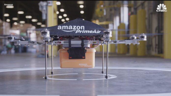 Stati Uniti: via libera ad Amazon.com per avviare i test per le consegne con i droni