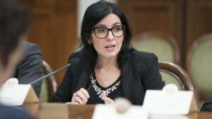 Dadone (ministra Pubblica Amministrazione): «Investire sempre di più in digitalizzazione, puntare su giovani»