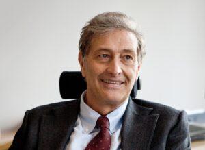 Guido Rasi (direttore Agenzia europea farmaco): «Il vaccino Covid nel 2021 ma sarà sicuro»