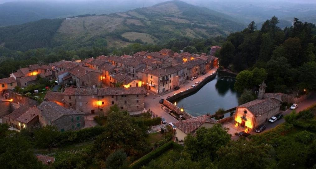 Incentivi sull'affitto a lavoratori che desiderano trasferirsi nel piccolo borgo di Santa Fiora (Grosseto)