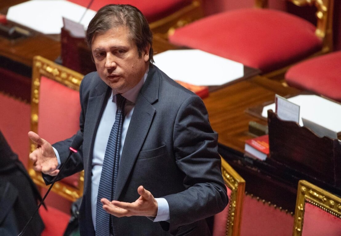"""Pierpaolo Sileri (sottosegretario Salute): «Dopo il 15 settembre discuteremo la possibilità di """"una forma di obbilgo""""»"""