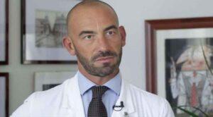 Matteo Bassetti (infettivologo): «Il coronavirus è diventato un'arma politica»