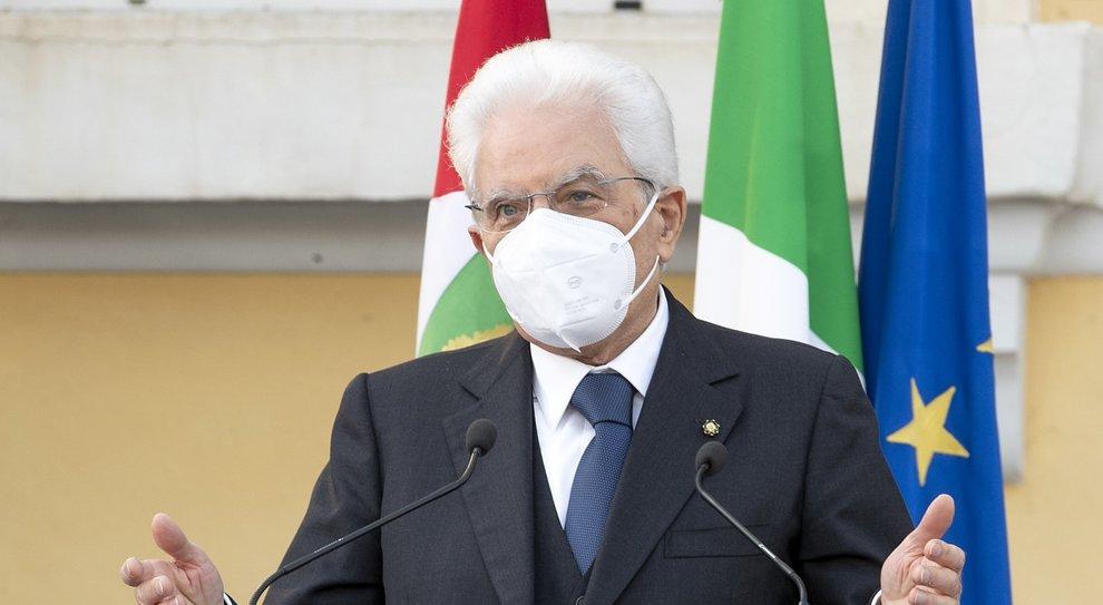 Mattarella: «I lavoro porterà il Paese fuori dall'emergenza»