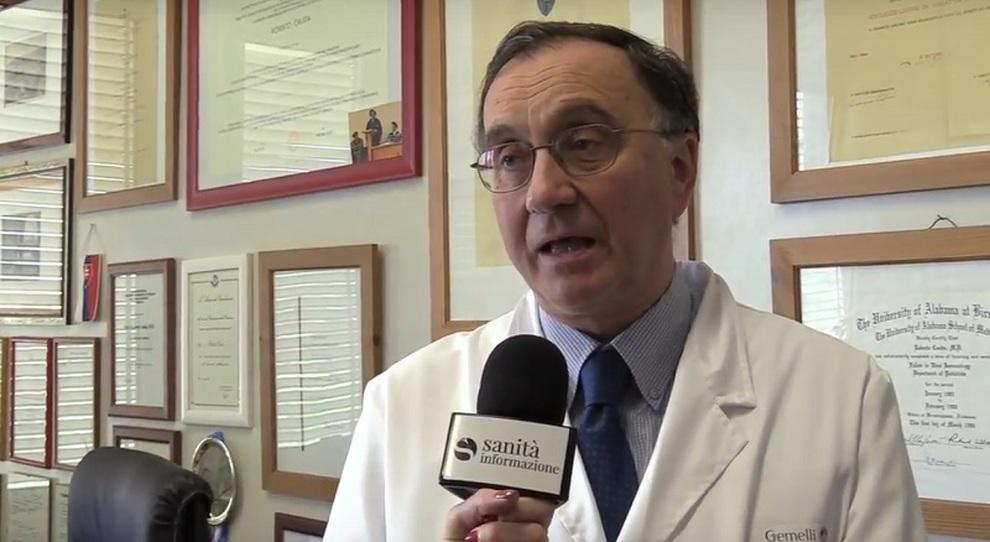 Roberto Cauda (direttore Malattie infettive Policlinico Gemelli): «Dopo l'estate distanze adeguate e giuste precauzioni»