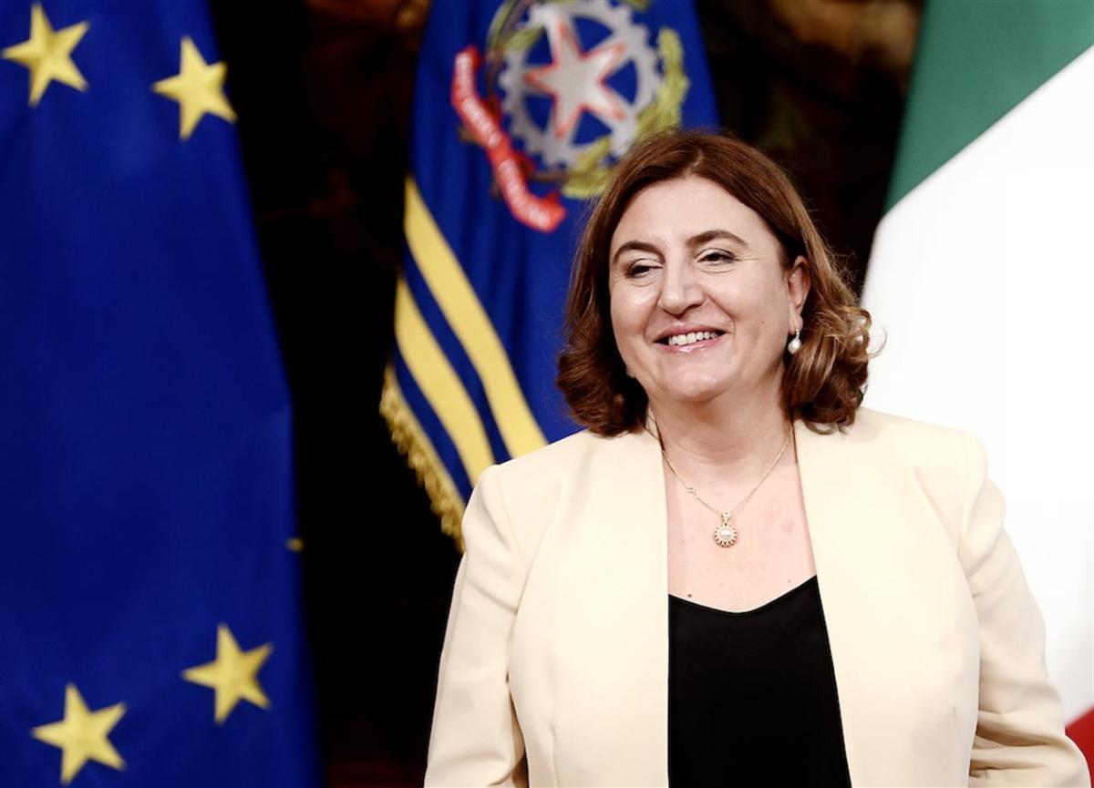 Nunzia Catalfo (ex ministra Lavoro): «Abolire il reddito di cittadinanza? No, ma possiamo migliorarlo»