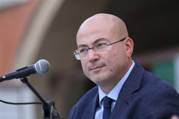 Aldo Cazzullo (Corriere della Sera): «La pandemia non è finita: i vaccini servono a non tornare ai numeri dell'autunno scorso»