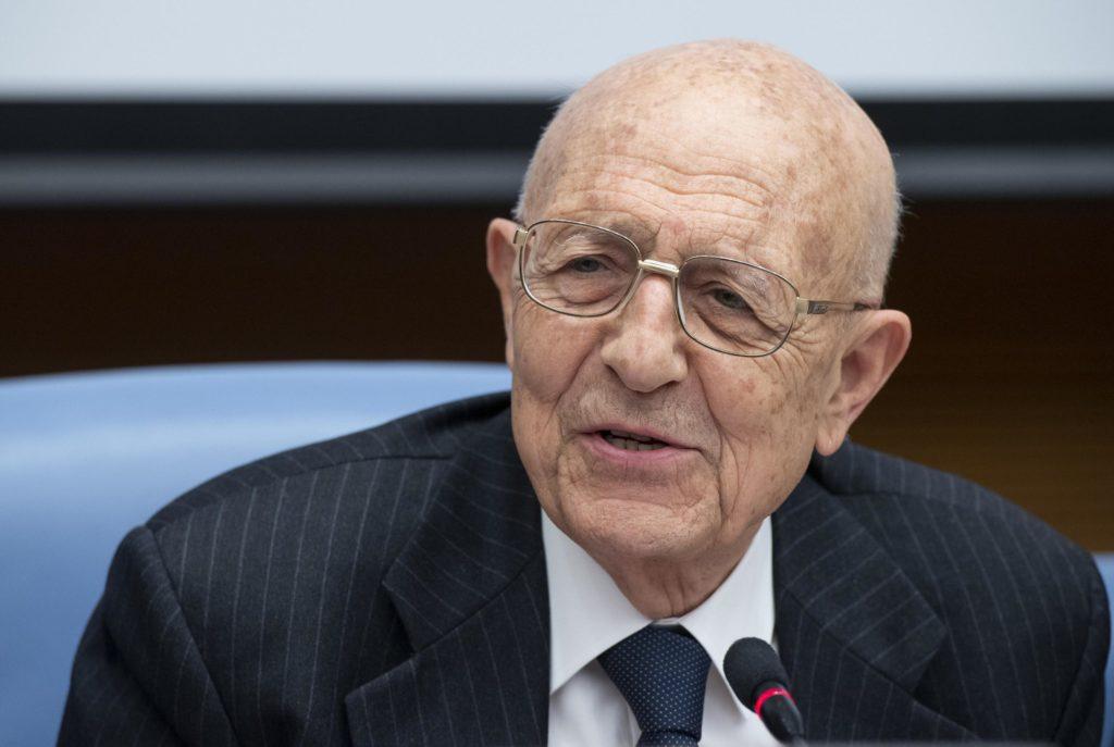 Cassese: «Il governo non è commissariato»