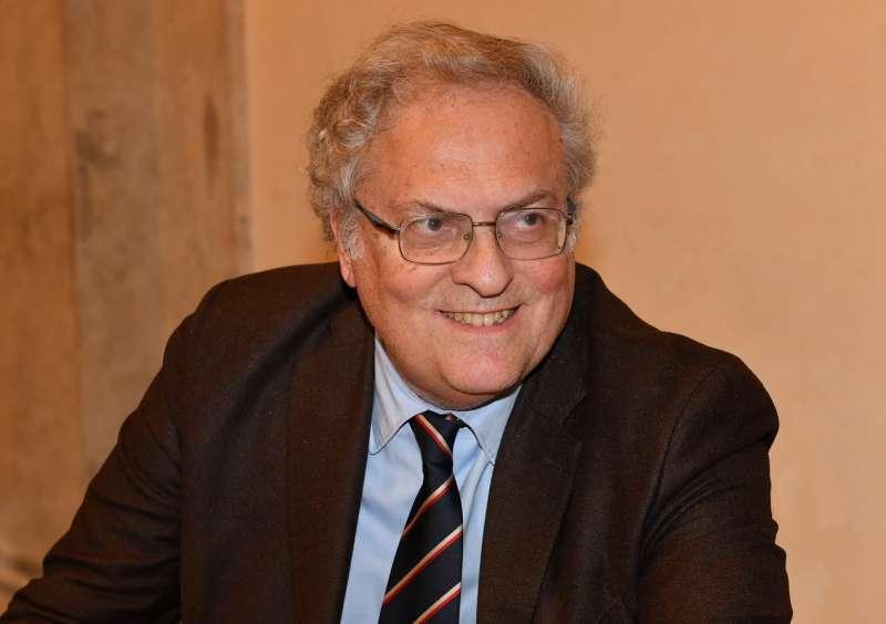 Stefano Folli (Repubblica): «Referendum abrogativo per il Green pass? Idea quantomeno illogica»