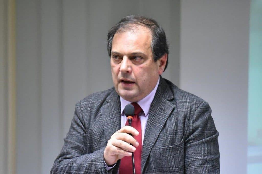 Filippo Anelli (Presidente Federazione degli Ordini dei Medici e Odontoiatri): «Il vaccino è uno strumento potente a difesa dei cittadini e della nostra professione. Non dobbiamo sottrarci»