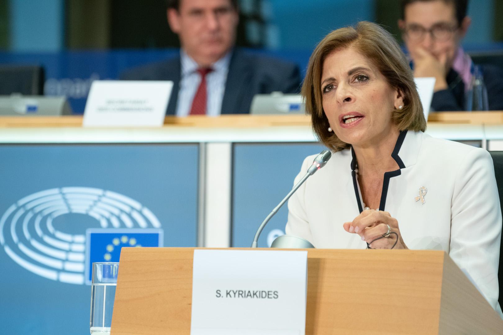 Vaccino, Kyriakides: Europa vince se lo facciamo tutti