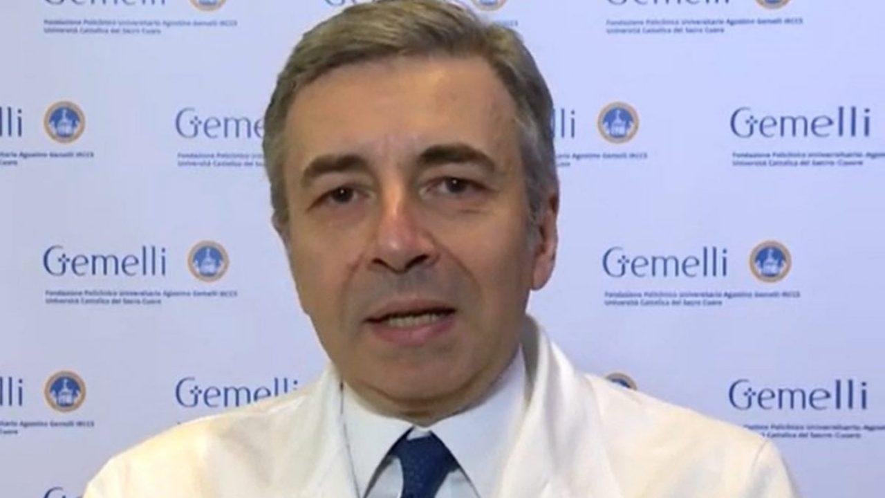 Luca Richeldi (Ordinario di Pneumologia all'Università Cattolica di Roma e membro CTS): «Vaccini in arrivo, sistema di misure differenziate funziona. Non molliamo su distanziamento e mascherine»
