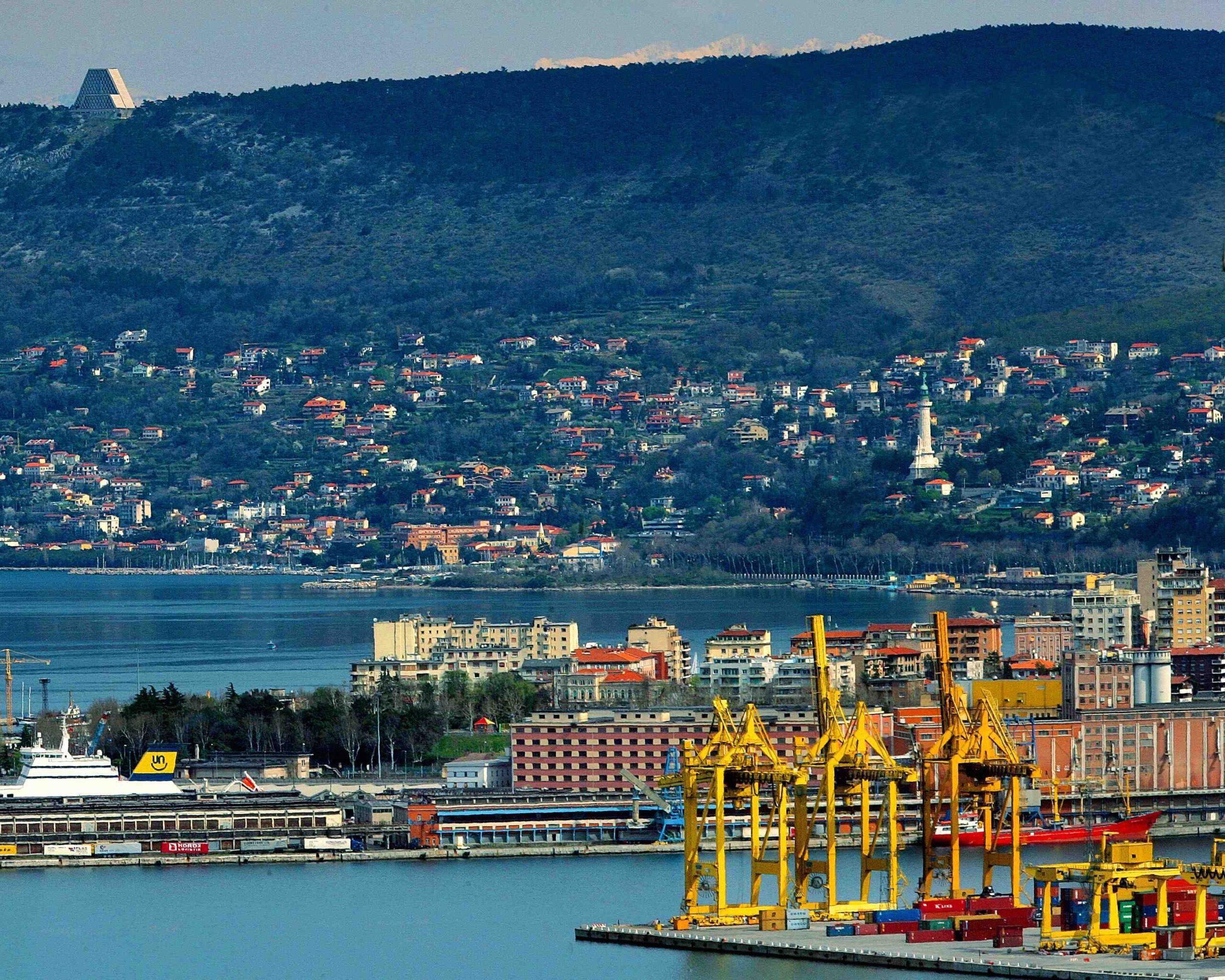 HHLA perfeziona acquisizione terminal PLT a Trieste