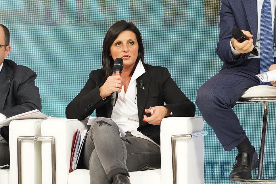 Vannia Gava (sottosegretaria Transizione Ecologica): «Ripartenza: tutelare ambiente, ma anche economia e lavoro»