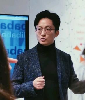 Daniel Zheng Alibaba