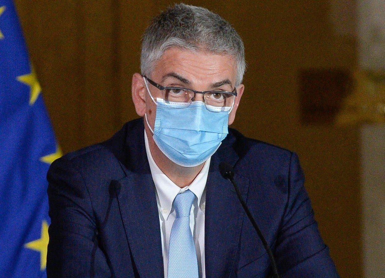 Silvio Brusaferro (presidente Iss): «Potremmo convivere con la pandemia grazie agli sforzi fatti»Silvio Brusaferro (Presidente ISS): «Green pass: potenzialmente utile per il tracciamento. Ecco perché»