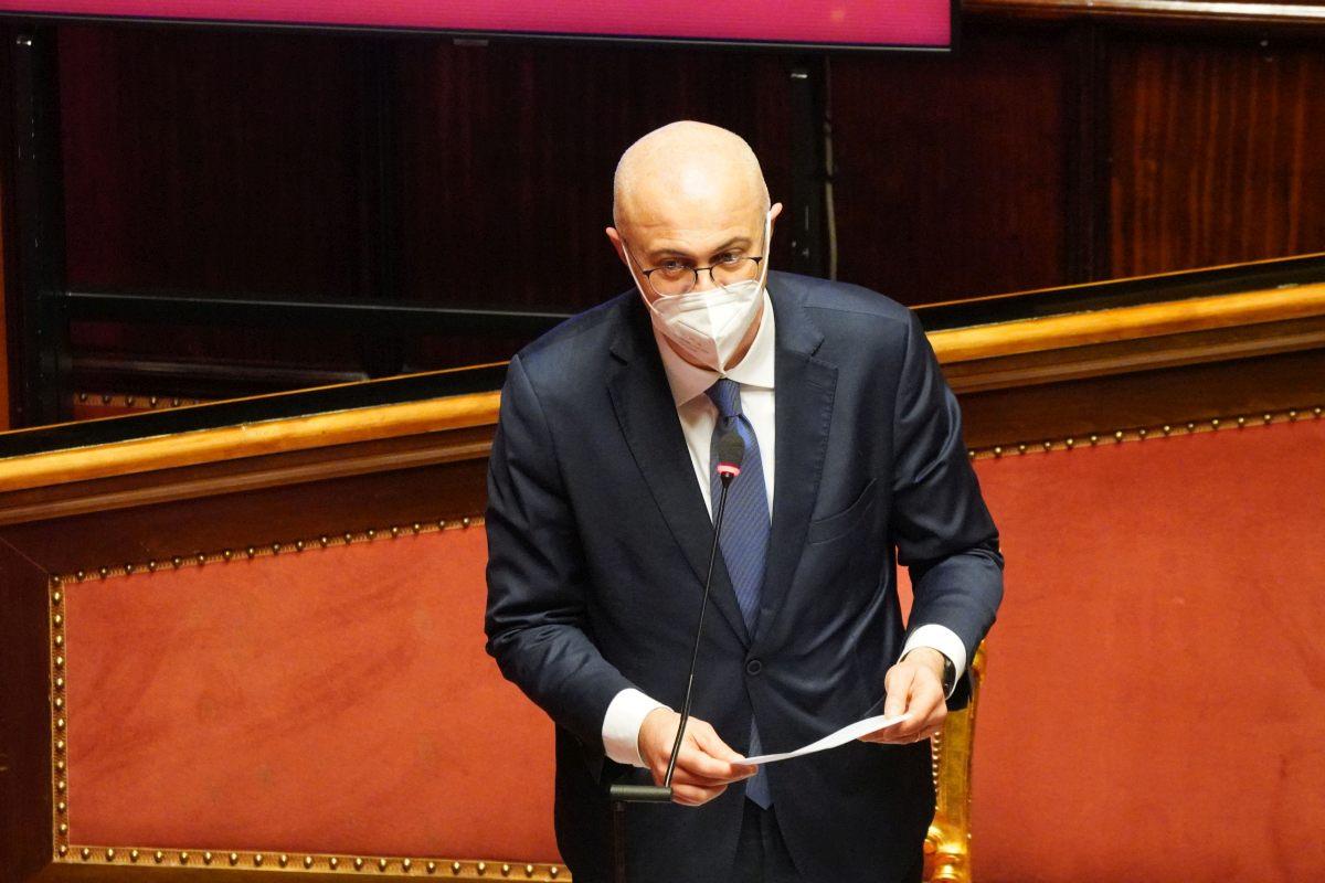 D'Incà: «Maggioranza sfilacciata, ora tocca ai leader»