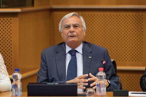 Paolo Uggè (presidente Conftrasporto-Confcommercio): «Le Regioni si ispirino al modello Lombardia per l'autotrasporto»