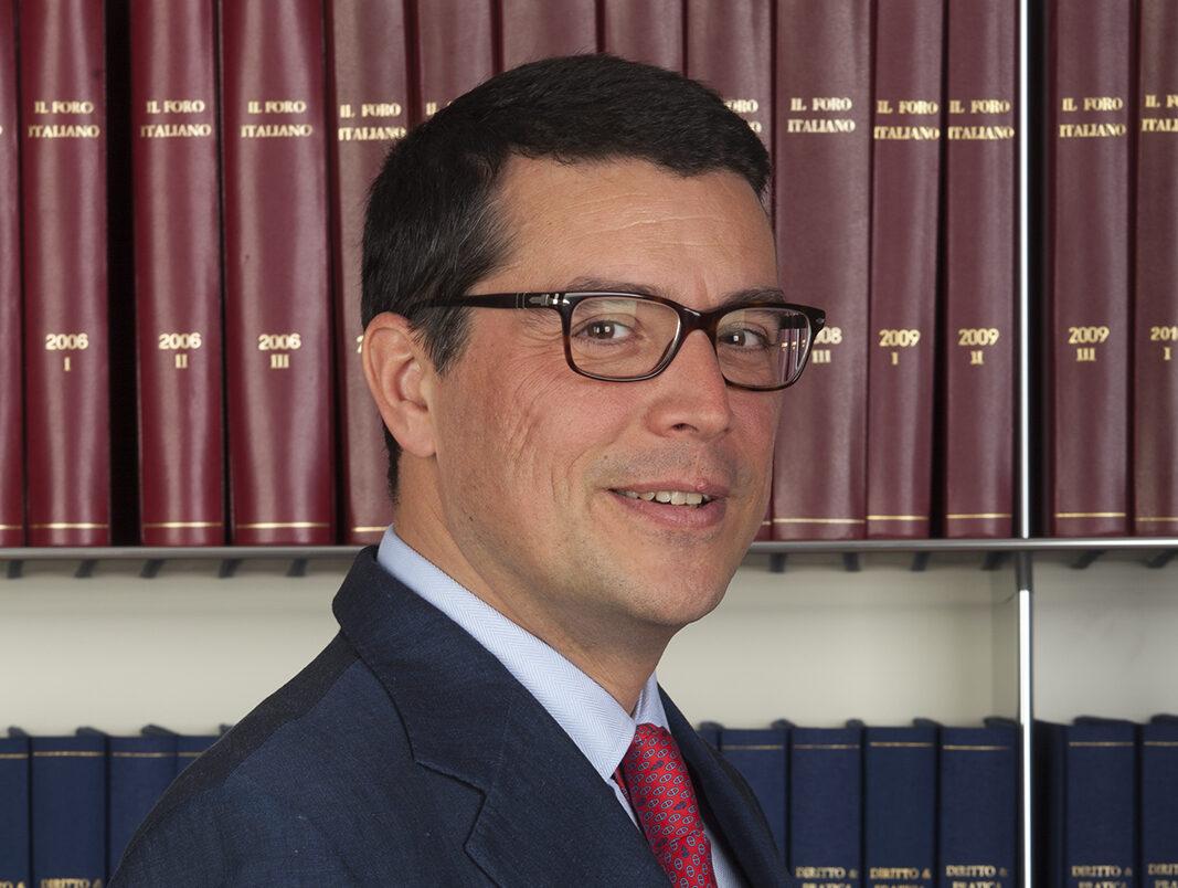 Vittorio De Luca (studio De Luca & Partners): «Green pass per il lavoro: dovrà superare alcune criticità»