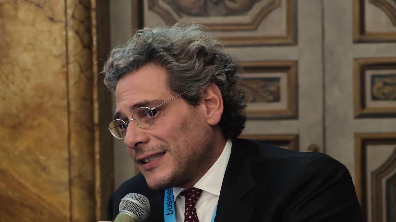 Michel Martone (ordinario Diritto del lavoro Sapienza): «Green pass: mette in sicurezza imprese e lavoratori »