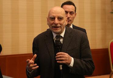 Ugo Ruffolo (il Giorno): «Green pass: i no vax non possono giocare con la vita degli altri»
