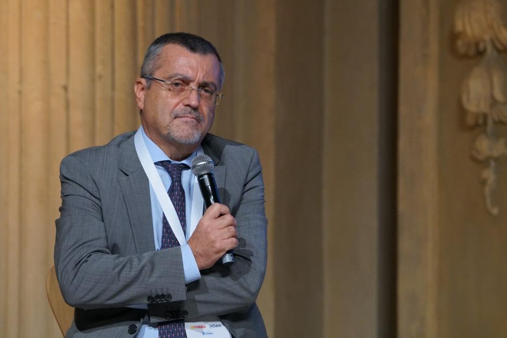Stefano Versari (capo dipartimento dell'Istruzione): «Green pass: oltre alla sospensione senza stipendio, si applicherà una sanzione»