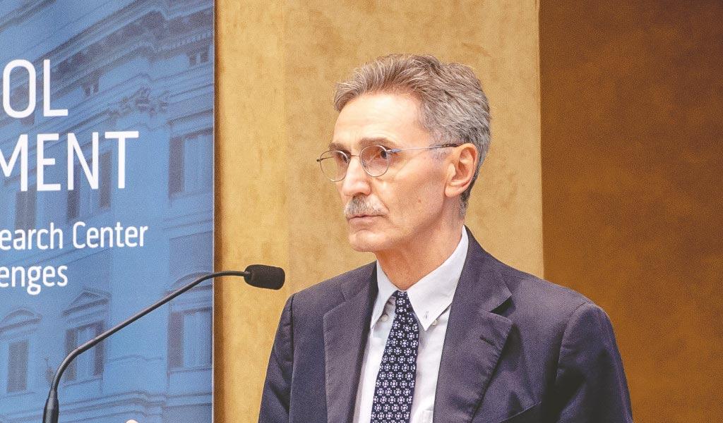 Sergio Fabbrini (Il Sole 24 Ore): «Il governo Draghi e le élite troppo deboli»