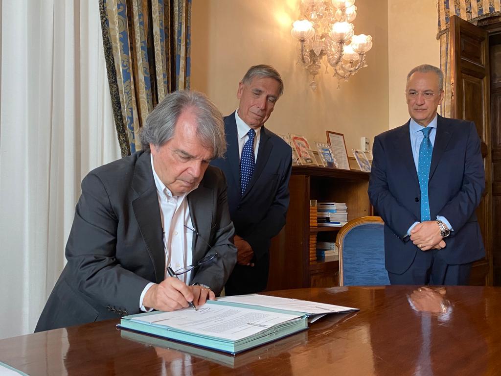 Renato Brunetta firma Assoprofessioni