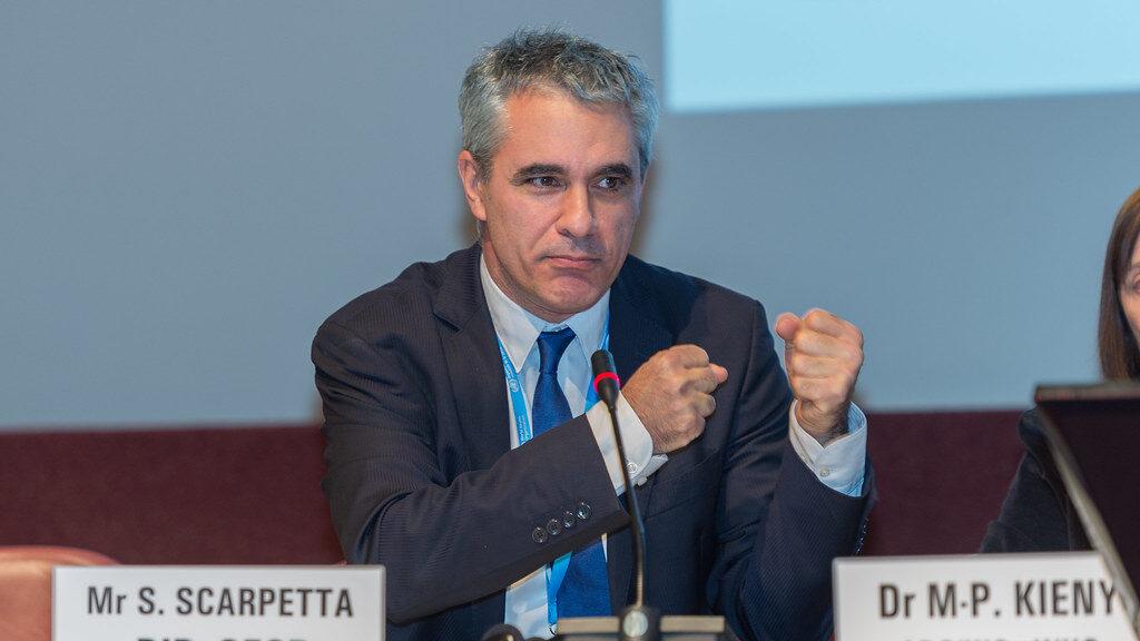 Stefano Scarpetta (direttore Lavoro e Politiche sociali Ocse): «Reddito di cittadinanza: strumento di contrasto alla povertà»